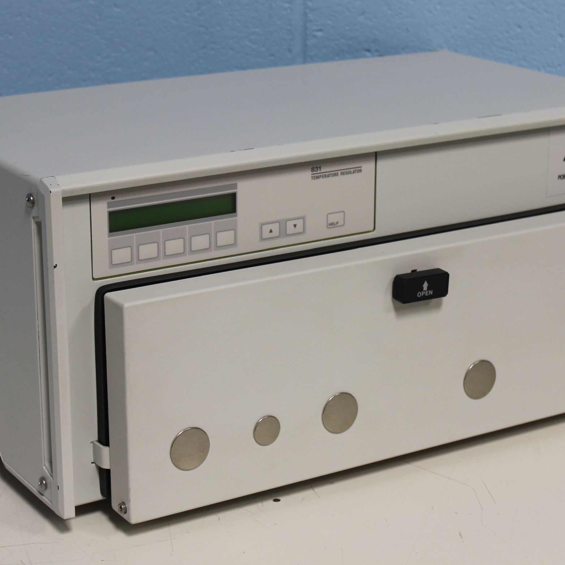Gilson 831 Temperature Regulator Image