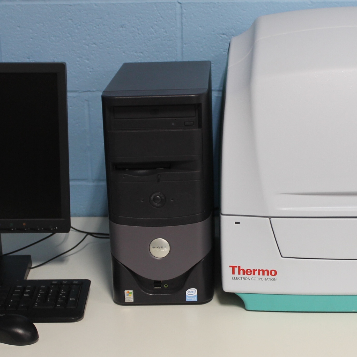 Thermo Electron Corporation Varioskan Multimode Reader Image