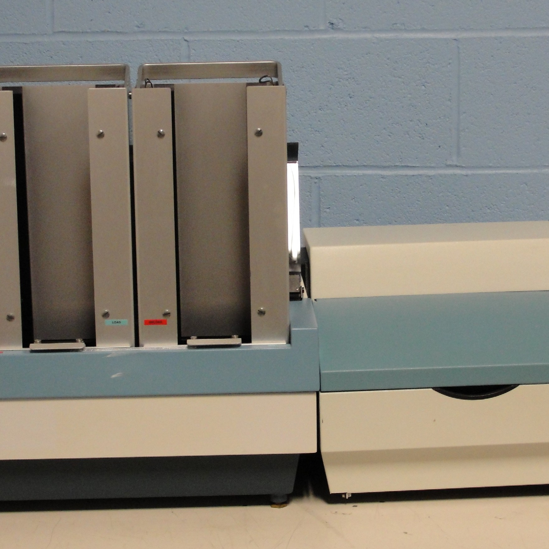 Perkin Elmer Victor2 V 1420-041 Multilabel HTS Counter comes with Liquid Injector Model 1420-041 Image