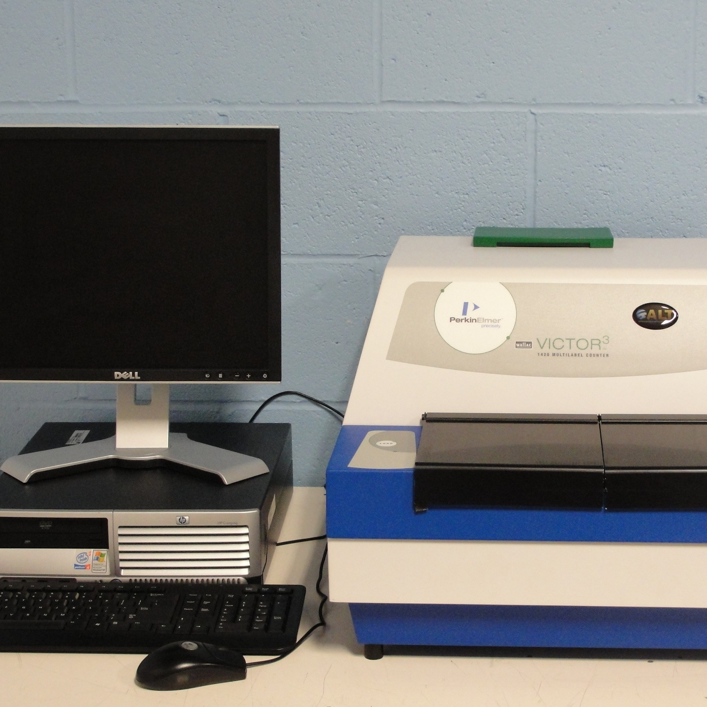 PerkinElmer Victor3 1420-033 Multilabel Counter Image