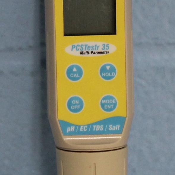 Oakton Waterproof PCSTestr 35 pH/Conductivity/TDS/Salinity Tester Image